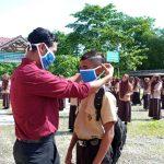 SMAN1 Peunarun bagi bagi sembako dan Masker ditengah wabah covid-19