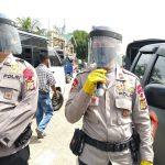 Hadapi Adaptasi Kebiasaan Baru Brimob Aceh Kembali Semprot Disinfektan dan Sosialisasi Protokol Kesehatan