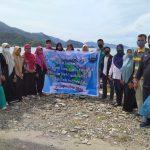 Peringati Hari Pariwisata Dunia, Mahasiswa Poltas Gelar Aksi Bersih Pantai