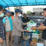 Pemkab Aceh Selatan Salurkan Bantuan Masa Panik Kepada Korban Kebakaran Kedai Rundeng