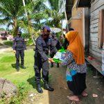 Sambut Ramadan Di Tengah Pandemi Covid-19, Brimob Aceh Bagikan Sembako Kepada Lansia