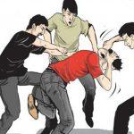Breaking News, Diduga Lakukan Aksi Pencurian, Seorang Lelaki Babak Belur Diamuk Massa