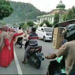 Peringati HUT ke-13, Paguyuban SRC Negeri Pala Aceh Selatan Bagi – Bagi Takjil