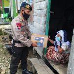 Menjelang Hari Raya Idul Fitri, Sat Brimob Aceh Bagi Sembako Untuk Lansia