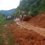 Akses Jalan Lintas Gampong Bulo Didi – Lawe Cimanok Tertutup Material Longsor