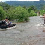 Gerak Cepat! Brimob Bantu Masyarakat Terkena Luapan Air Sungai