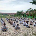 Peserta Didik Baru SMKN 2 Peureulak Melaksanakan Zikir Dan Do'a Bersama